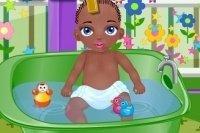 Baby Jamal en el baño