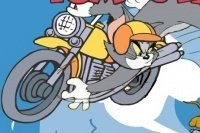 Tom y Jerry en la moto